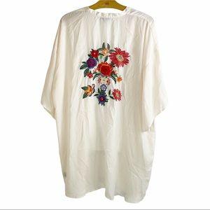 Casting LA Women's Large Cream Silky Kimono Open Drape Front Embroidery Flowers